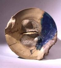 Peter Voulkos, Plate, 1962, stoneware, glaze, H: 16.25 in, W: 16.25 in. Gift of the Art Guild of the Oakland Museum of California.